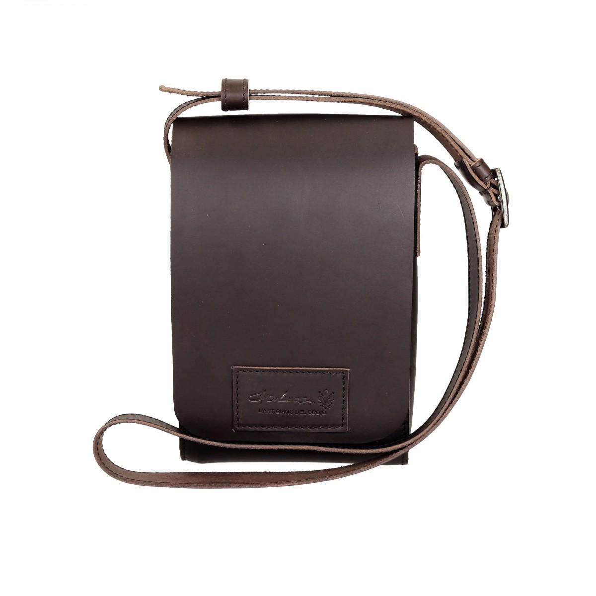 petit sac bandouli re en cuir marron fonc artisanale. Black Bedroom Furniture Sets. Home Design Ideas