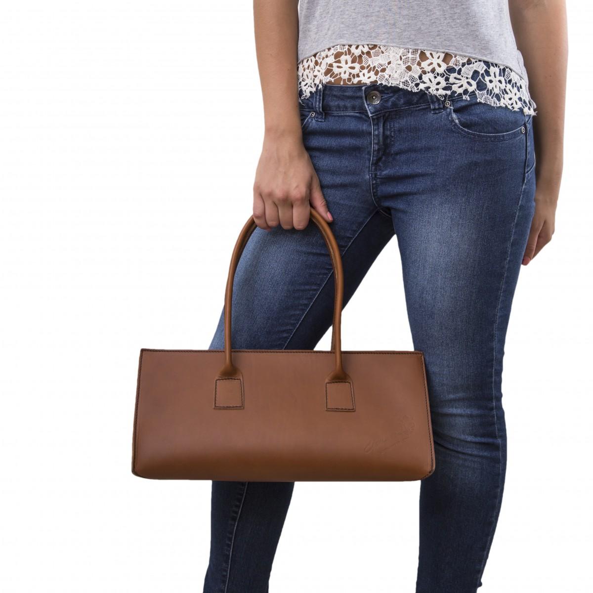 hand gefertigte damen handtasche aus braunem leder gianluca das leder handwerker. Black Bedroom Furniture Sets. Home Design Ideas