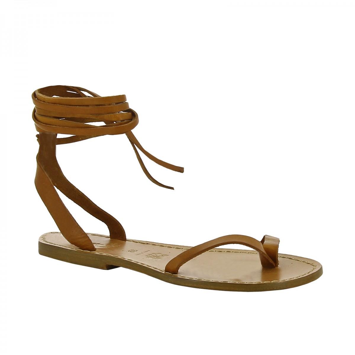 5a45e03c748da Hecho a mano sandalias de tiras planas de cuero marrón. Loading zoom