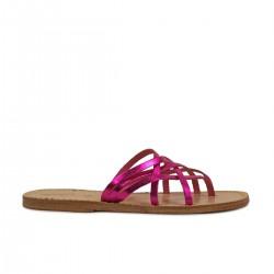 Zapatillas de damas tanga de cuero laminado fucsia