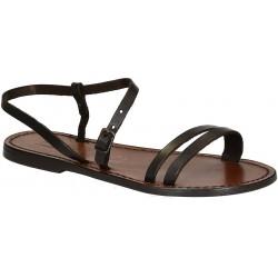 Sandalias planas de color marrón para las mujeres