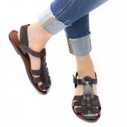 Sandales marron pour femme en cuir travaillé à la main en Italie