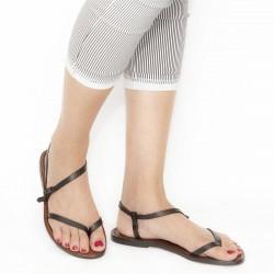 Tong sandales plates en cuir marron pour femme