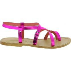 Sandalias planas para mujeres de cuero laminado fucsia hechas a mano
