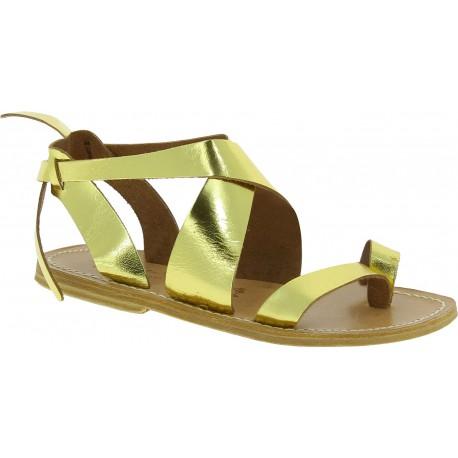 Sandalias para mujeres en cuero oro hecho a mano en Italia