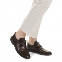 Women's dark brown leather low top shoes handmade in Italy