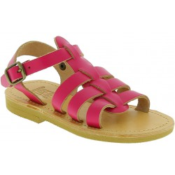 Gladiatoren sandalen für Mädchen aus pinkfarbenem Kalbs leder mit Schnallen verschluss
