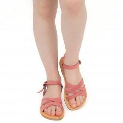 Sandalias trenzadas para niña en piel nobuck rosa claro con cierre de hebilla