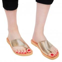 Sandali infradito slip-on da donna fatti a mano in pelle di vitello laminata oro