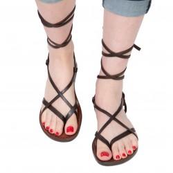 Sandalias en tiras de cuero marron oscuro para mujer hechas a mano en Italia