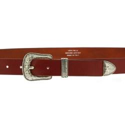 Cintura in pelle marrone con fibbia e puntale in metallo inciso