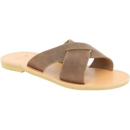Sandalias para hombre con bandas cruzadas en piel nobuck marrón oscuro