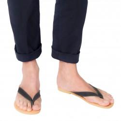 Sandalias de tiras para hombre en cuero nobuck negro hechas a mano