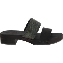Zueco tacón de madera negro con banda de rafia y cuero