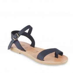 Sandalias para niño en piel nobuck azul con cierre de hebilla