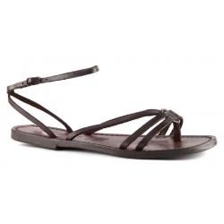 Sandales tongs femme en cuir marron travaillé à la main en Italie
